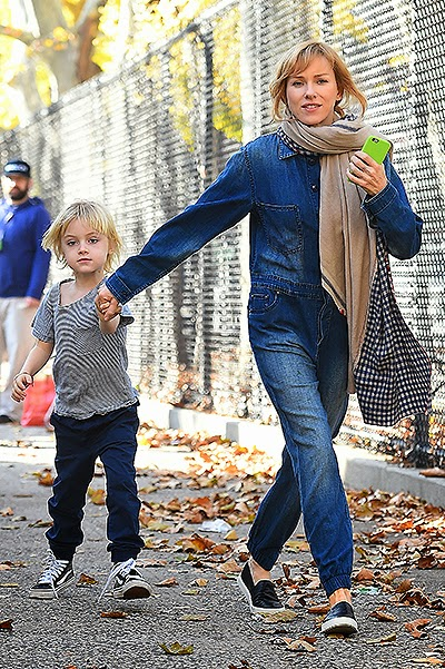 Naomi Watts on a walk with his son