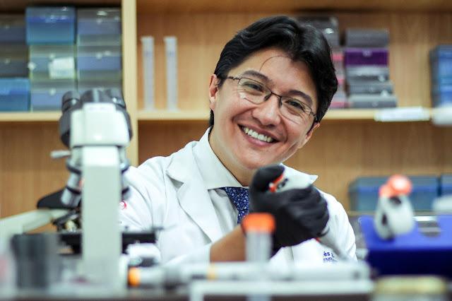 Andrés Caicedo, docente de la Escuela de Medicina USFQ, gana premio internacional por su investigación en terapia celular