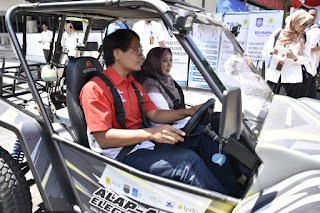 Senang Dengan Mobil Listrik Ramah Lingkungan, Wagub Rohmi Berharap Bisa Diproduksi Massal