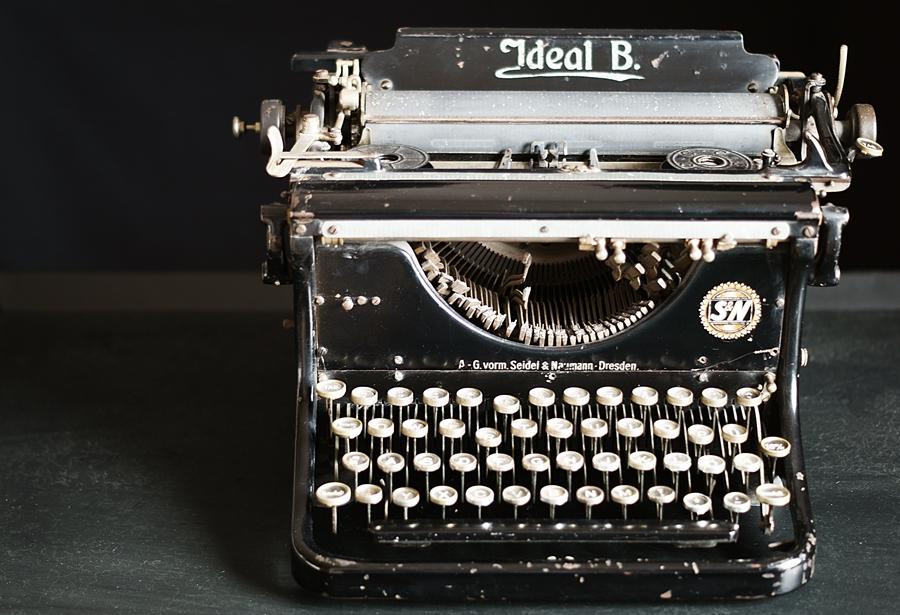 Blog + Fotografie by it's me - fim.works - Ideal B, mechanische Schreibmaschine