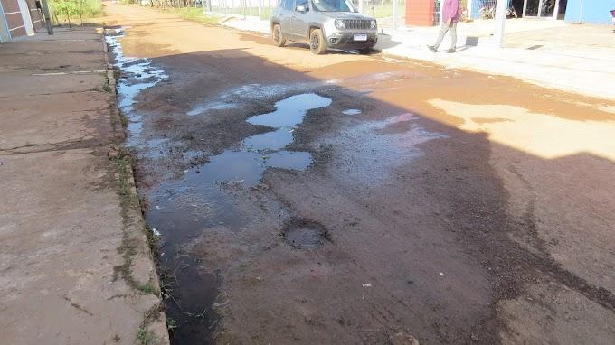 Buracos nas ruas causam prejuízos aos moradores do bairro Aeroporto e prejudicam acesso a UBS