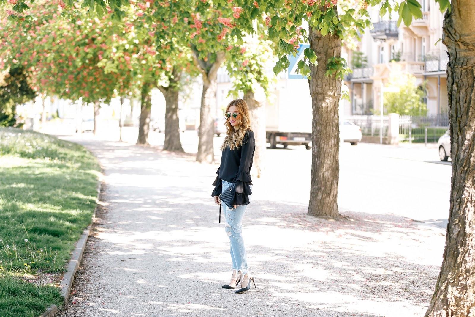 ysl-tasche-schwarze-saint-laurant-tasche-blogger-bloggerstyle-blogger-aus-deutschland-deutsche-fashionblogger-zara-jeans-jeans-mit-perlene-ripped-jeans-chic-stylen-