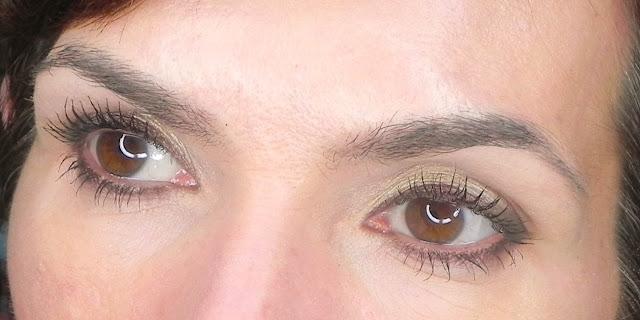 Zoom ojos abiertos