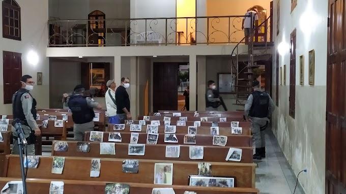 URGENTE: Bandidos invadem a Igreja de São Sebastião em Amparo