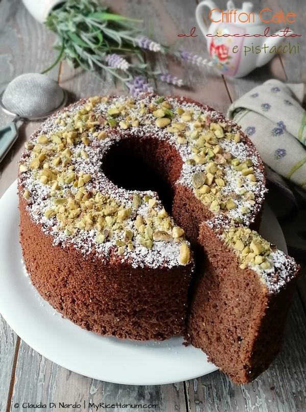 Chiffon Cake al cioccolato e pistacchi