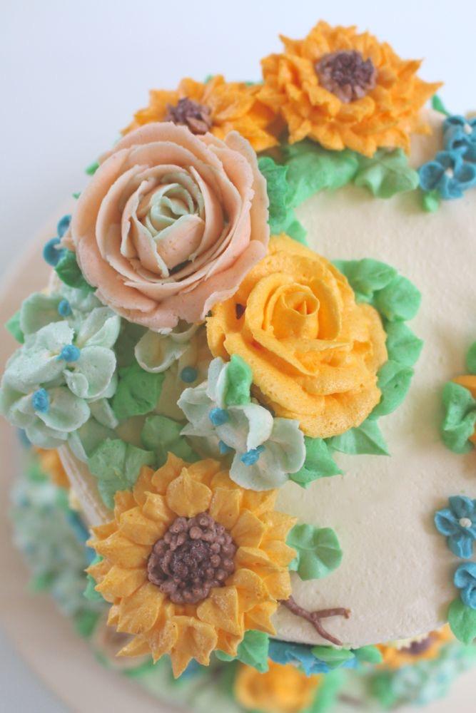Buttercreme Blüten Torte