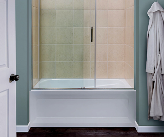 sliding-glass-bathtub-doors
