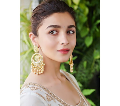 Alia Bhatt Can Not Able to Vote in Lok Sabha Elections 2019 - See Why