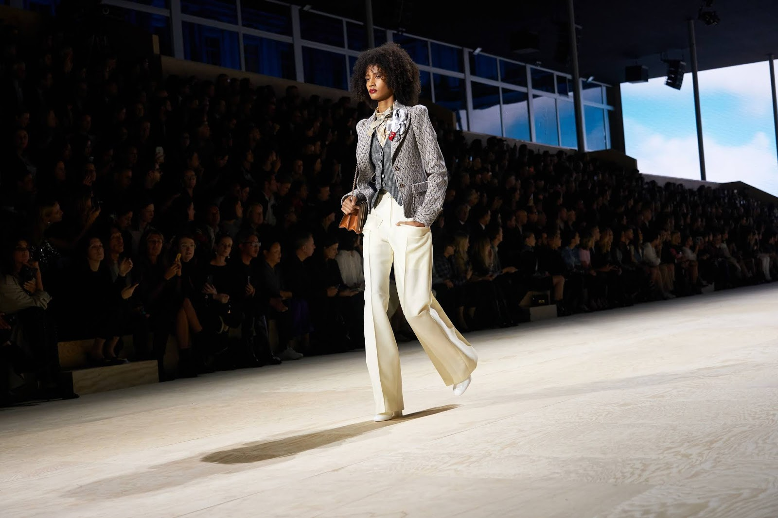 MIXING IT UP ON THE RUNWAY: LOUIS VUITTON