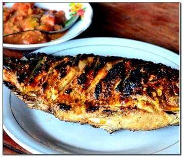 Masakan khas Manado ikan