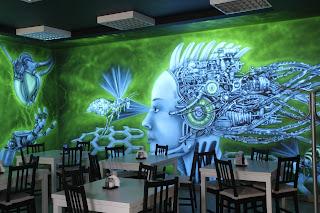 Malowanie na ścianie obrazu w ultrafiolecie, mural UV świecący w ciemności