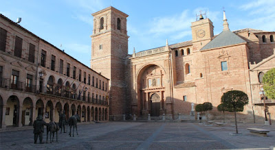 Plaza Mayor de Villanueva de los Infantes, viajes y turismo
