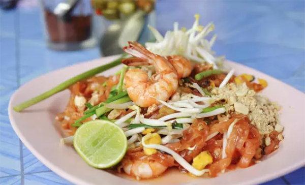 去泰國必吃的十道菜!泰式炒麵