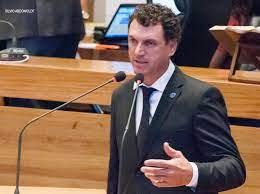Um Projeto de Lei de autoria do deputado Iolando estabelece que os laudos médicos que atestem deficiência permanente não precisarão ser renovados anualmente