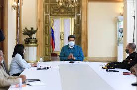Maduro: Hay que ver lo que es atender a miles sin la ayuda de nadie en el mundo