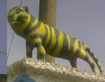 10 Bentuk patung macan cuma ada di Indonesia ini bikin tepuk jidat