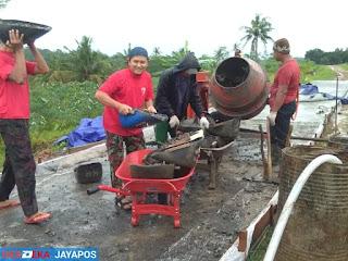 KOKAM Sinergi Bantu Sukseskan Pelaksanan TMMD Di Desa Plajan