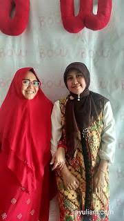 Foto bersama Indari Mastuti