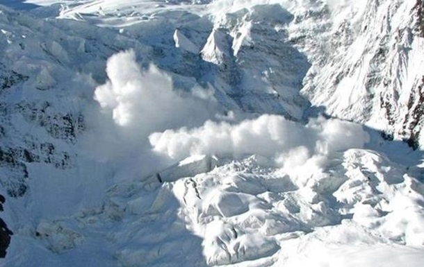 Сходження лавин в Гімалаях: понад 120 загиблих