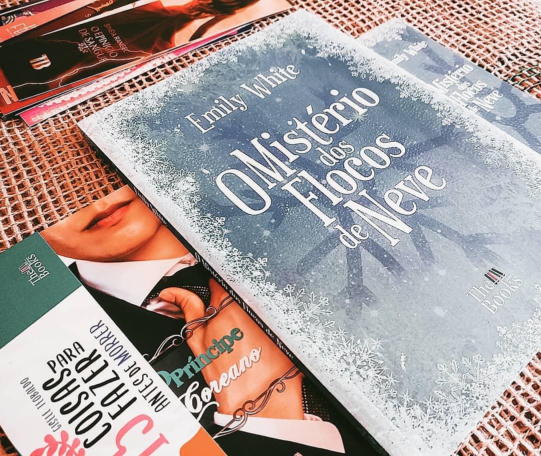"""Cinco Motivos Pra Ler """" O Mistério dos Flocos de Neve"""", de Emily White"""