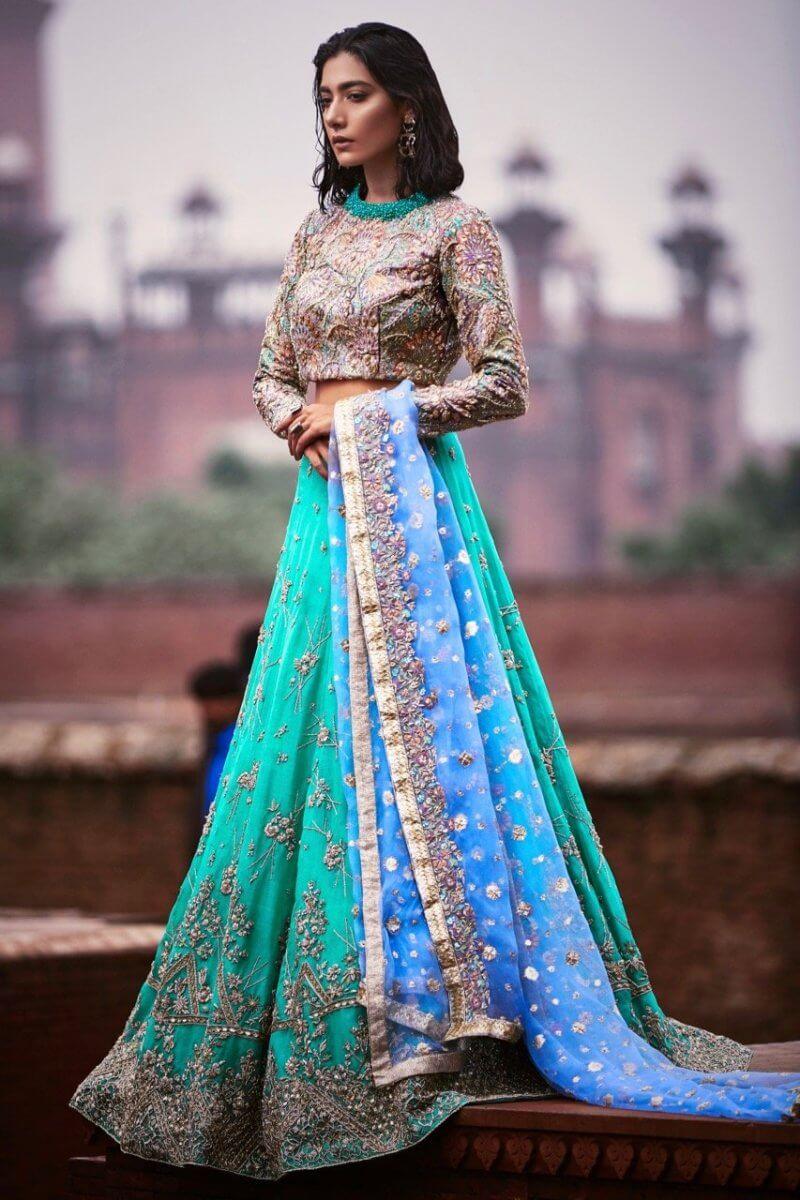 Emerald green wedding dress with lehnga, embellished choli and zari dupatta