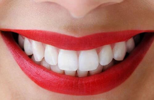 Kết quả hình ảnh cho thành ổ ngay trong răng, khiến răng bị hư hỏng