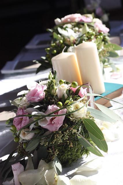 Tischdekoration Romantische Herbsthochzeit in den Bergen von Garmisch-Partenkirchen, Vintage-Style, heiraten im Hochzeitshotel Riessersee Hotel; wedding destination abroad Bavaria, Fall mountain wedding