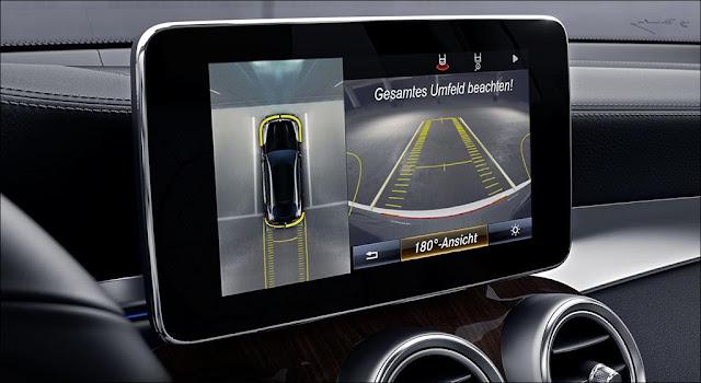 Camera 360 độ trên Mercedes GLC 300 4MATIC 2019 giúp tài xế lái xe an toàn hơn