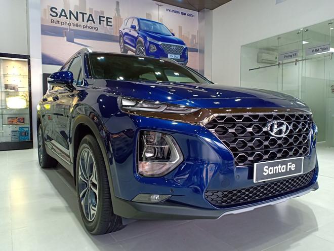 Hyundai SantaFe chạy đua giảm giá trăm triệu tại Việt Nam
