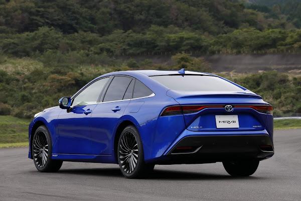 Novo Toyota Mirai 2021 movido à hidrogênio é lançado - fotos