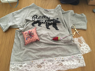 upcycling t-shirt con pizzo