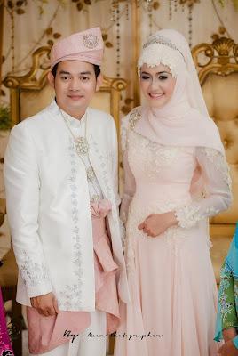 Contoh Baju Kebaya Pengantin Muslim Pasangan