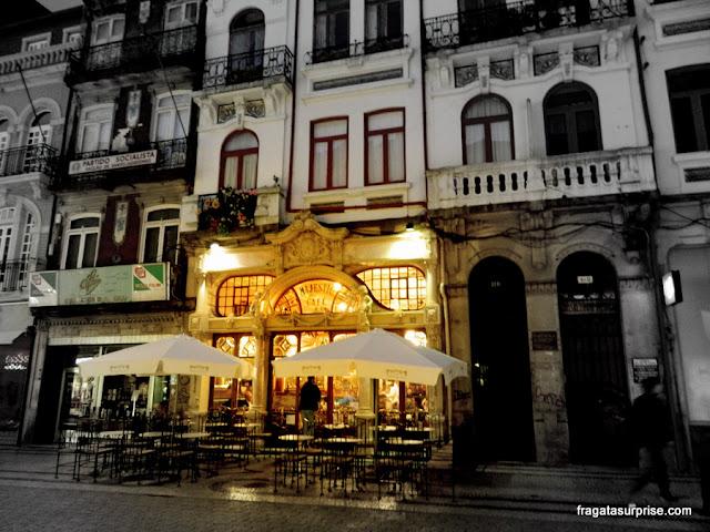Fachada do Café Majestic, no Porto