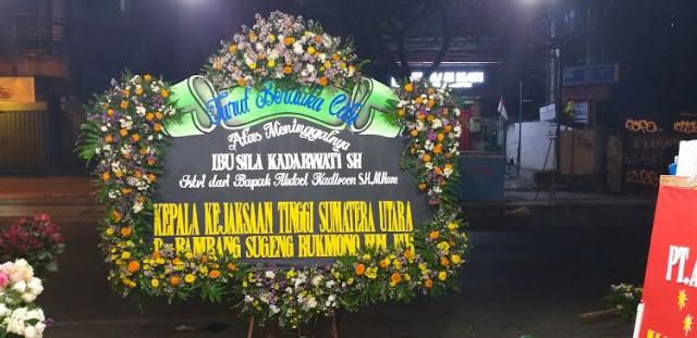 toko bunga duka cita di surabaya, harga karangan bunga duka cita surabaya, bunga papan surabaya indonesia