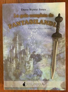 Portada del libro La guía completa de Fantasilandia, de Diana Wynne Jones