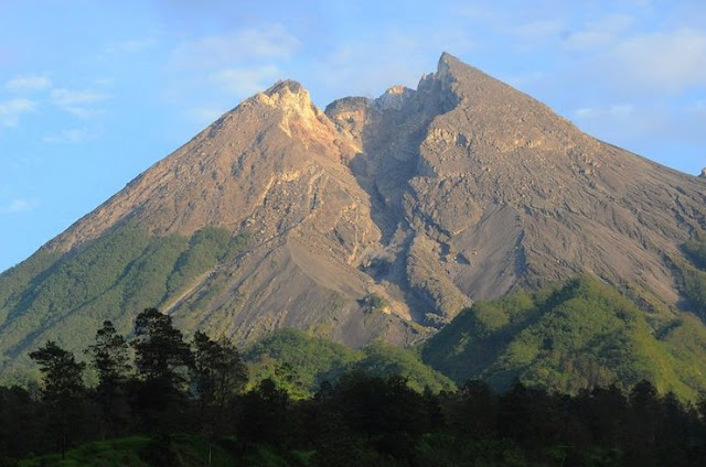 Interesting tour around Mount Merapi
