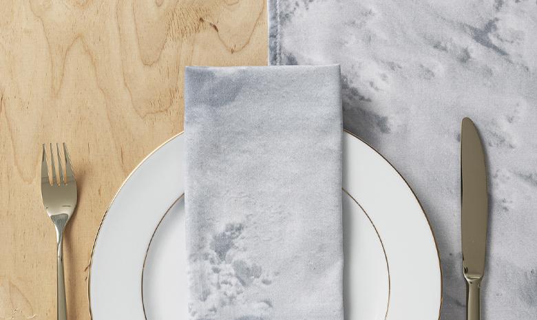 Bieżnik na stół w jadalni