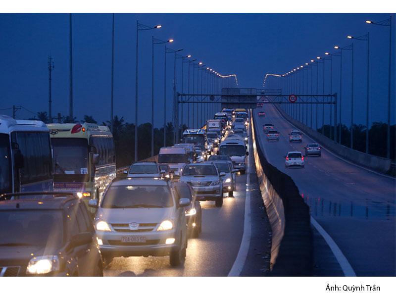 tình trạng kẹt xe tại cao tốc TPHCM - Long Thành - Dầu Giây