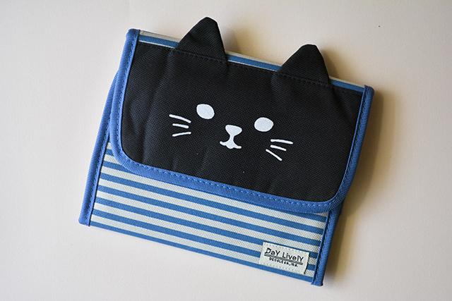 Bolso organizador papelería gato negro rayas de Decole Japón