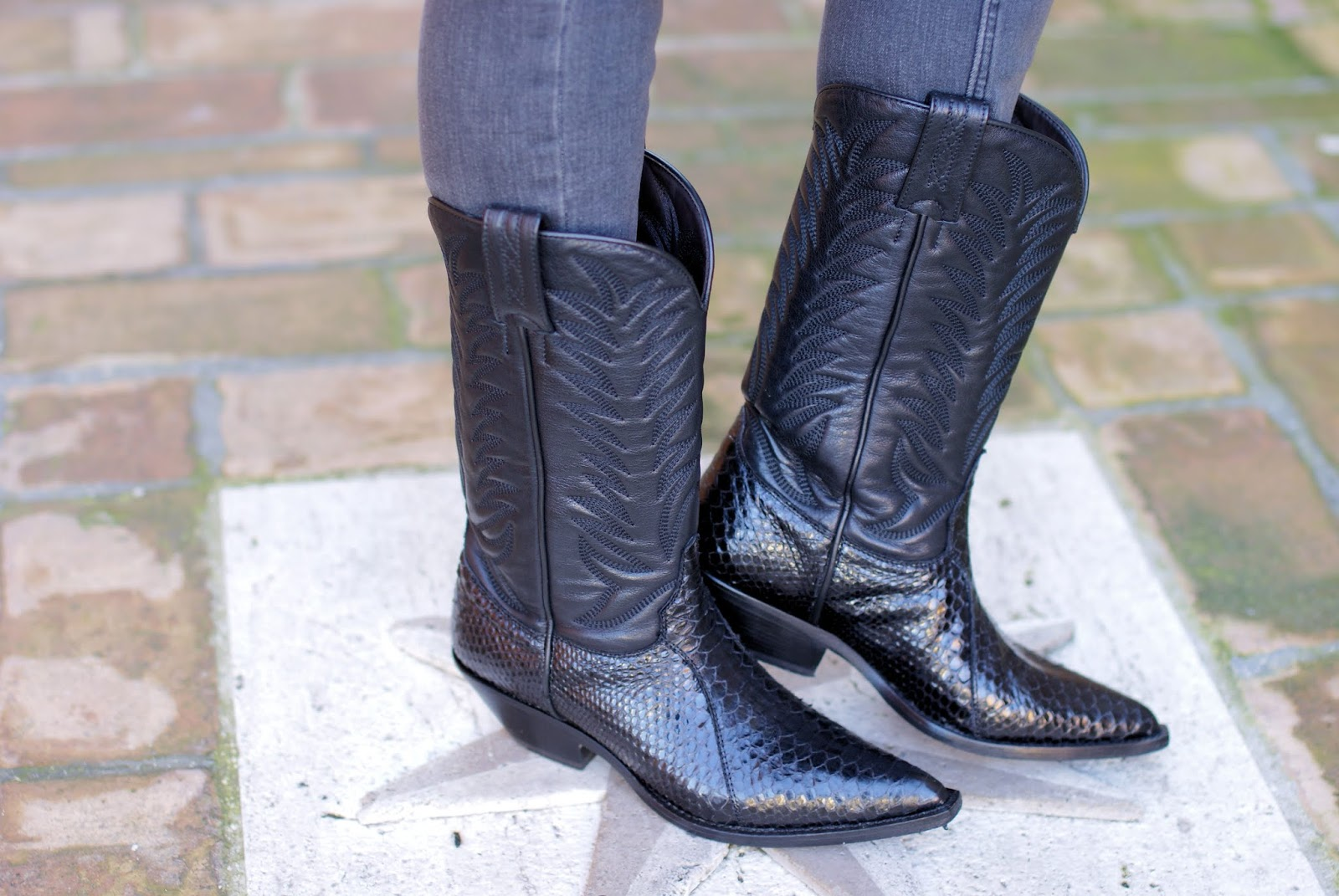 Black cowboy Sonora boots on Fashion and Cookies fashion blog, fashion blogger style