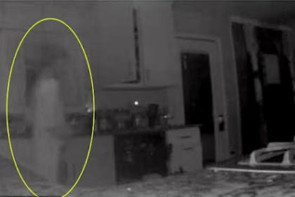 Seorang Ibu Dibuat Terkejut Melihat Hantu Anaknya di Dapur