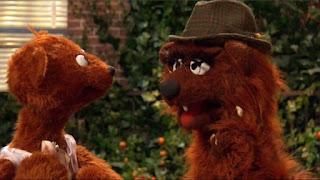 Sesame Street Episode 4304 Baby Bear Comes Clean, papa bear, baby bear
