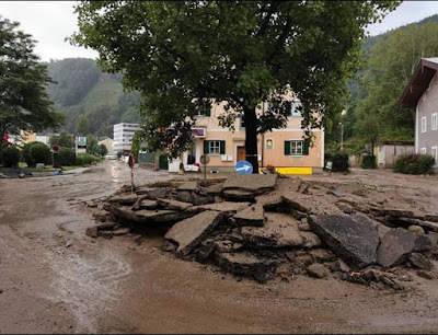 مستشار النمسا يعد المتضررين من الفيضانات بالمساعدة