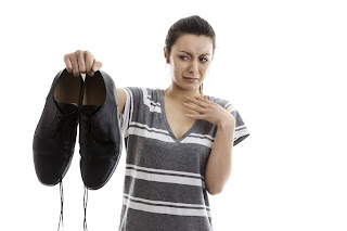 cara menghilangkan bau sepatu, cara menghilangkan bau pada sepatu, menghilangkan bau sepatu, pada sepatu, sepatu, bau, bau pada sepatu