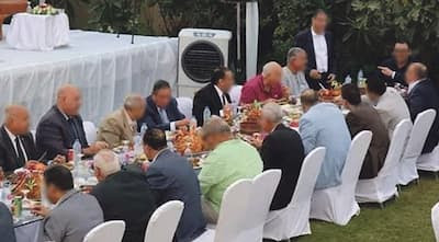 """وليمة رمضانية باذخة يفضحها """"لايف"""" و تورط رئيس مجلس إقليمي"""