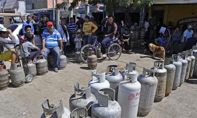 VENEZUELA: Escasez de gas doméstico el dolor de cabeza de los hogares donde pasan meses sin recibir el servicio.