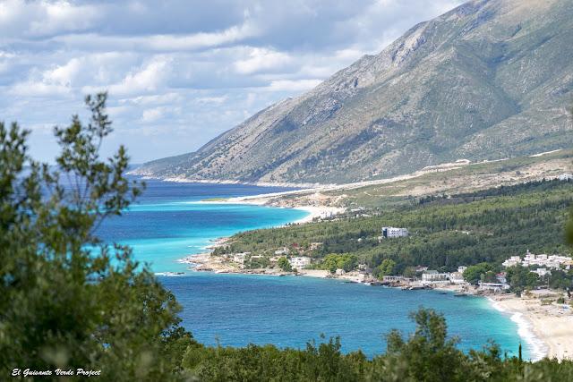 Riviera Albanesa, playas y calas - Himara, Albania por El Guisante Verde Project