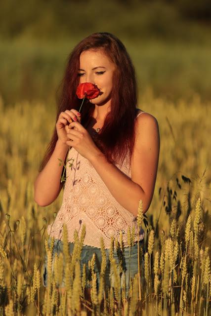 2.07.2015 Sesja Gliny Małe Molo jenasowe spodenki i bokserka pastelowy róż dziergana, Czerwone Ombre
