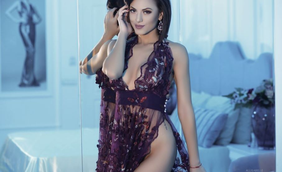 AllisaBelle Model GlamourCams