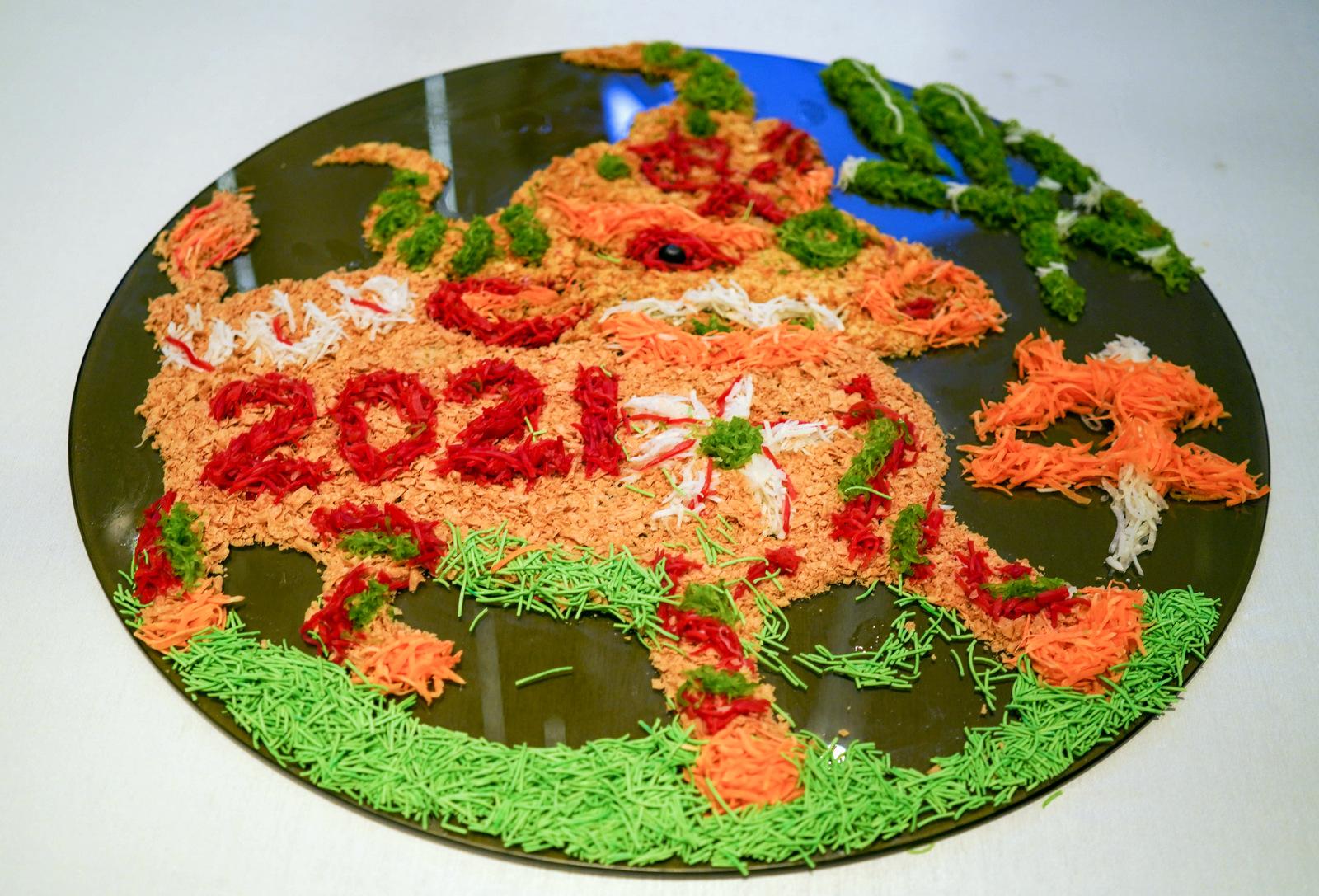 aloft kuala lumpur sentral: lunar new year trio of yee sang, roast duck & chicken